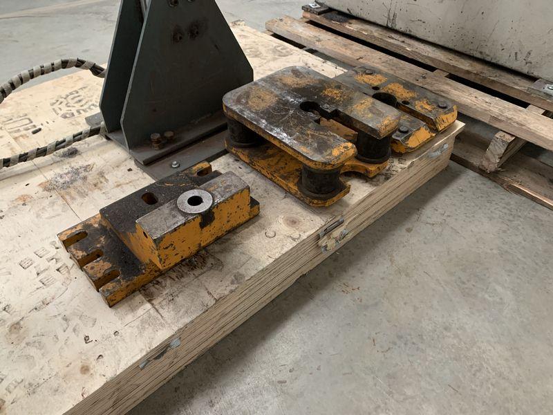 Kingsland Cnc Controlled Linear Rail Punching Machine 006