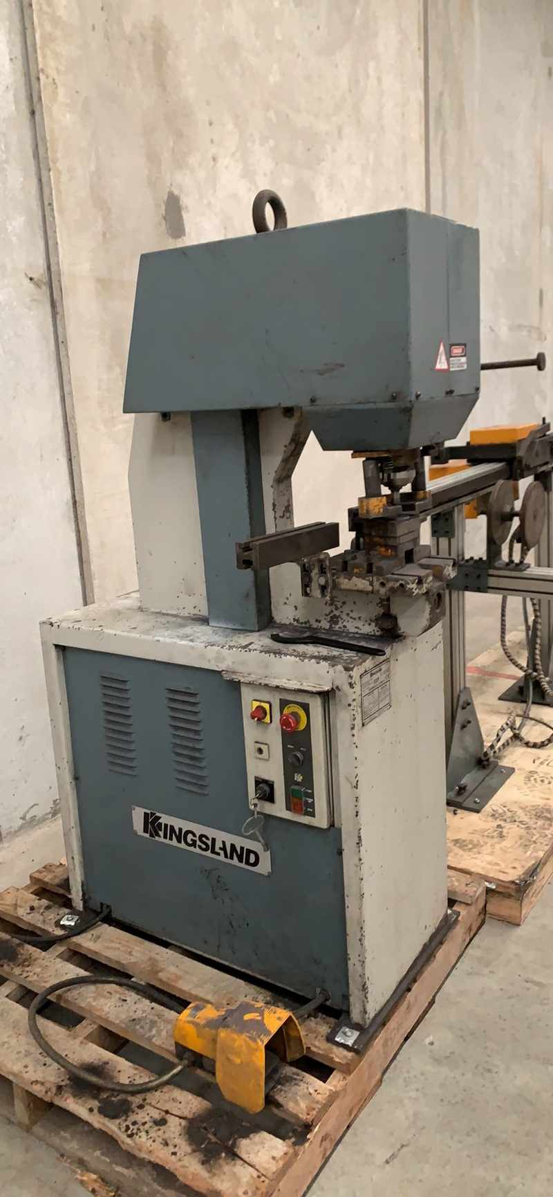 Kingsland Cnc Controlled Linear Rail Punching Machine 007