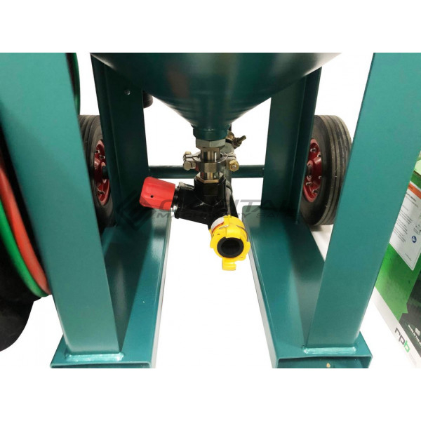 Multiblast Pro320 140 Litre Blasting Machine Full Package 010