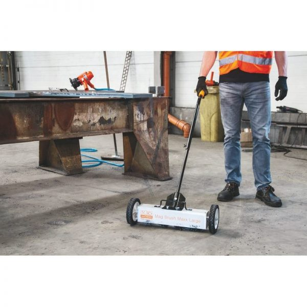 Blitzer Nko Magnetic Sweeper Mag Brush Maxx Large 002