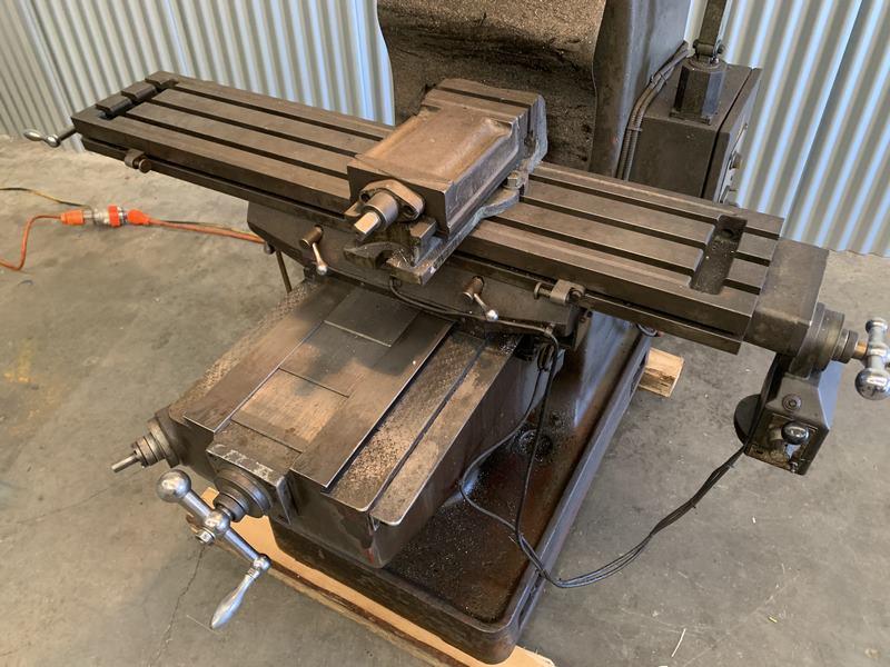 Used Milling Machine 3