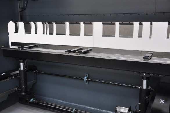 Haco Atpx3015 Cnc Pressbrake 3m X 150t 2 Axis High Speed Backgauge